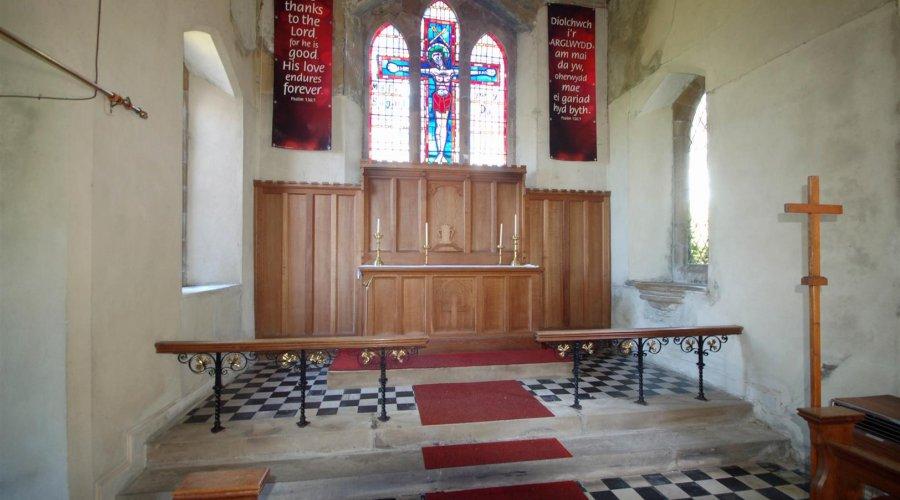 St Davids church - inside 5.jpg