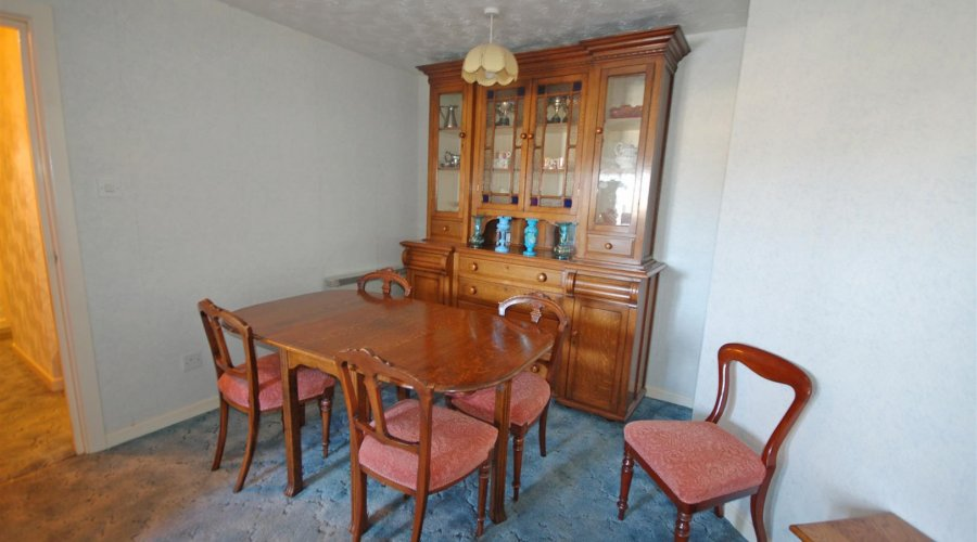 Kitchen/Dining Room Area