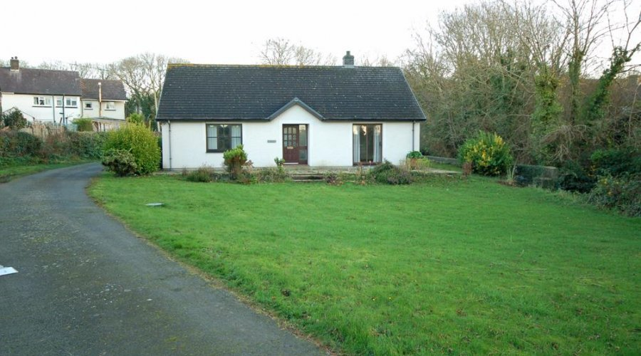 Glyn Cottage - fore.jpg