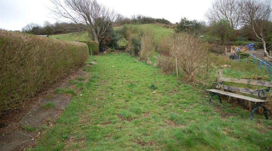 4 Dinas Terrace garden 3.jpg