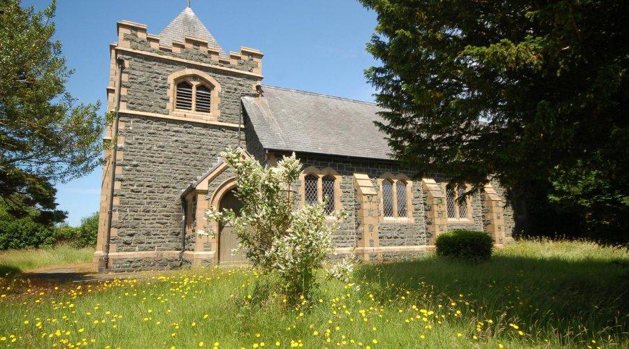St Davids church - fore.jpg