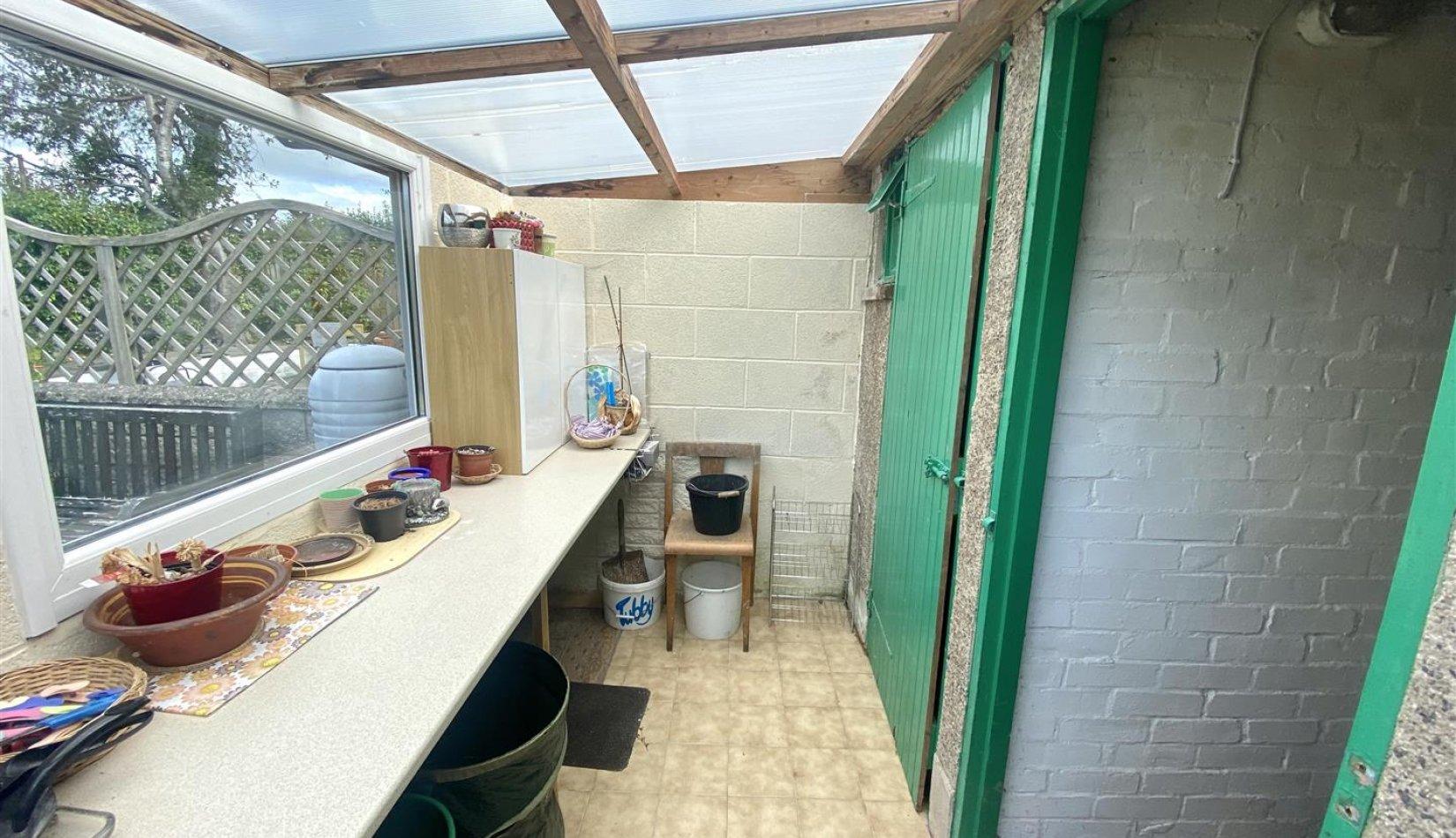 32 eg shed.jpg