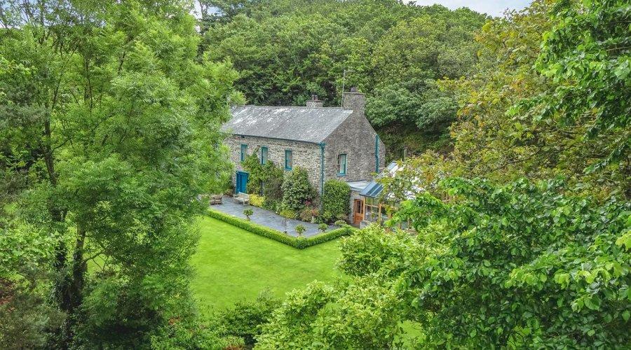 Crugiau House, Powys-7.jpg
