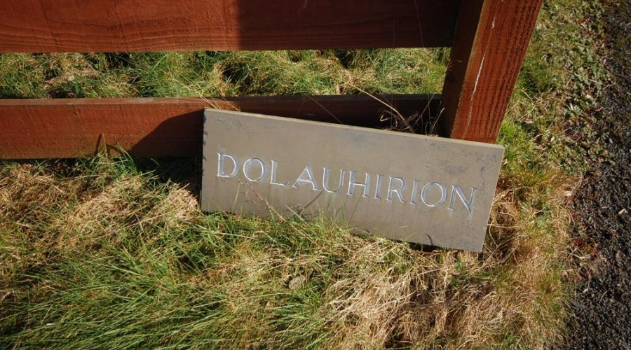 Dolauhirion - sign.jpg