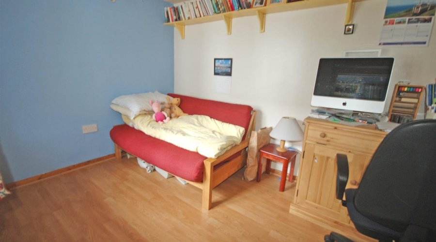 STUDY GUEST BEDROOM