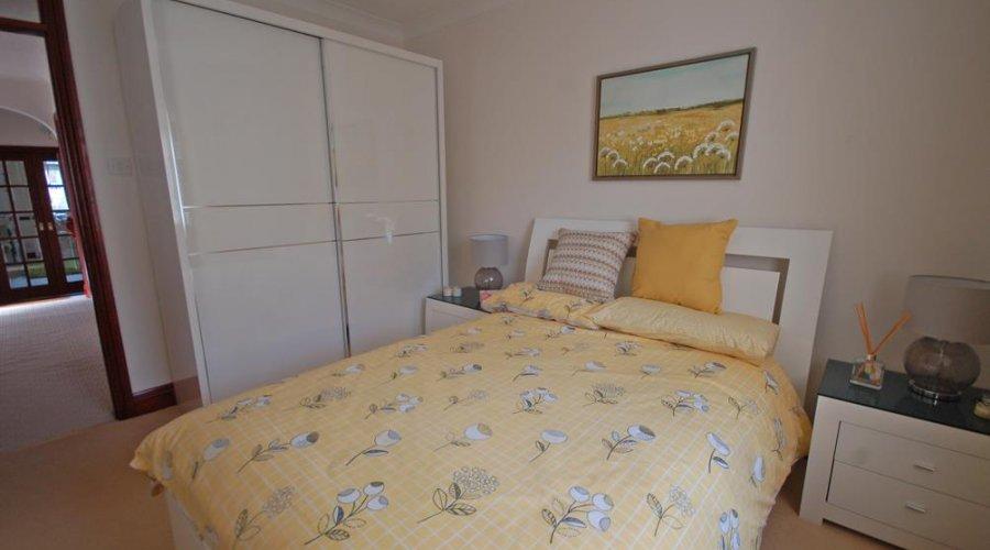 8 Bryneglur - bed 2 b.jpg