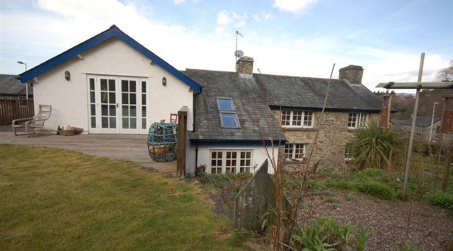 Lapley cottage - rear 1.jpg