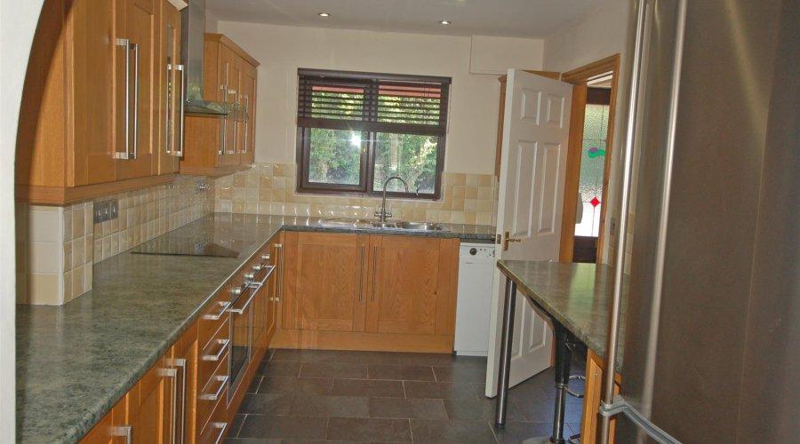 7 Y gerddi - new kitchen.jpg