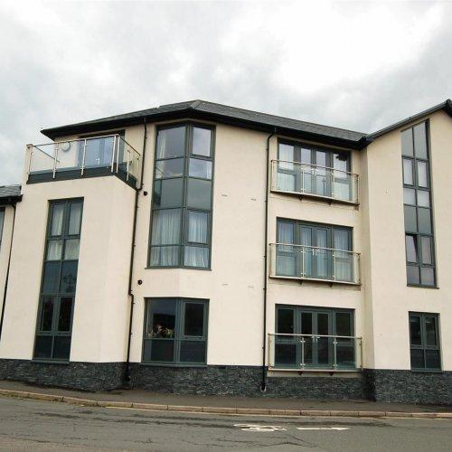 6 Glyndwr House Riverside Terrace