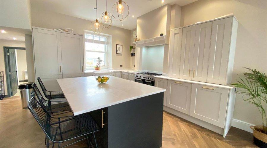 27 qr kitchen pic 3.jpeg