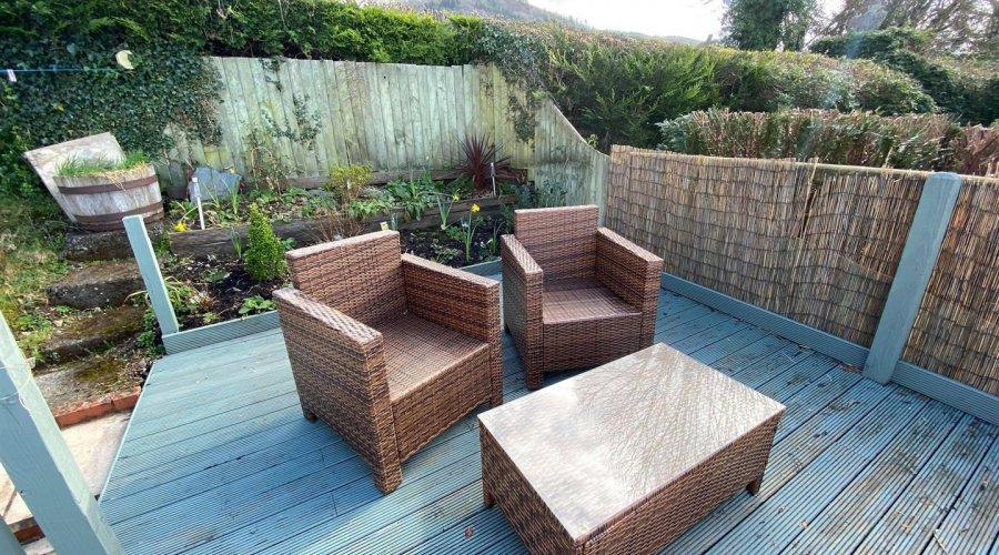 decking seating area pic 1.jpg