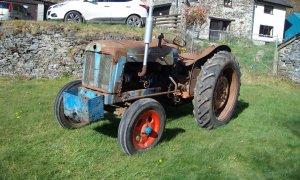 tractor 4.jpg