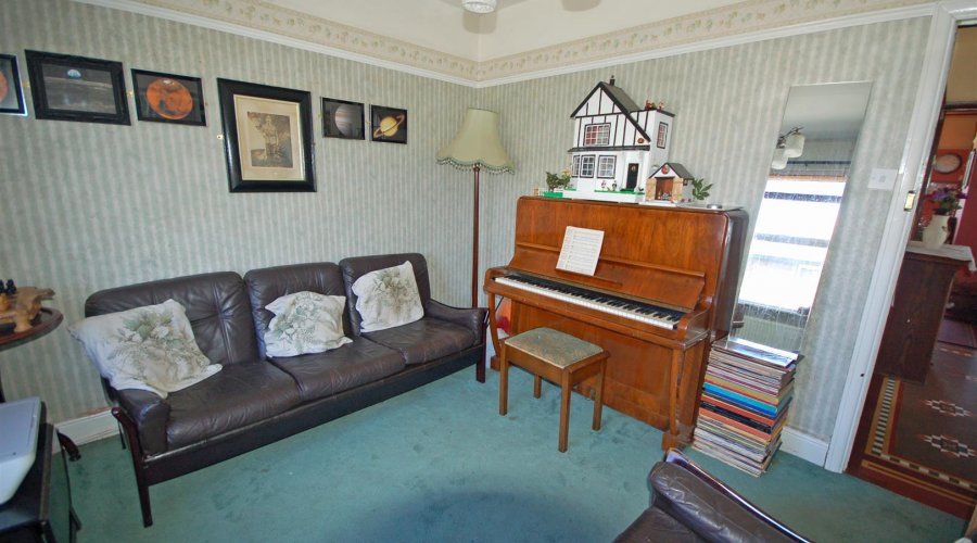 SITTING ROOM (or alternatively Bedroom 4)