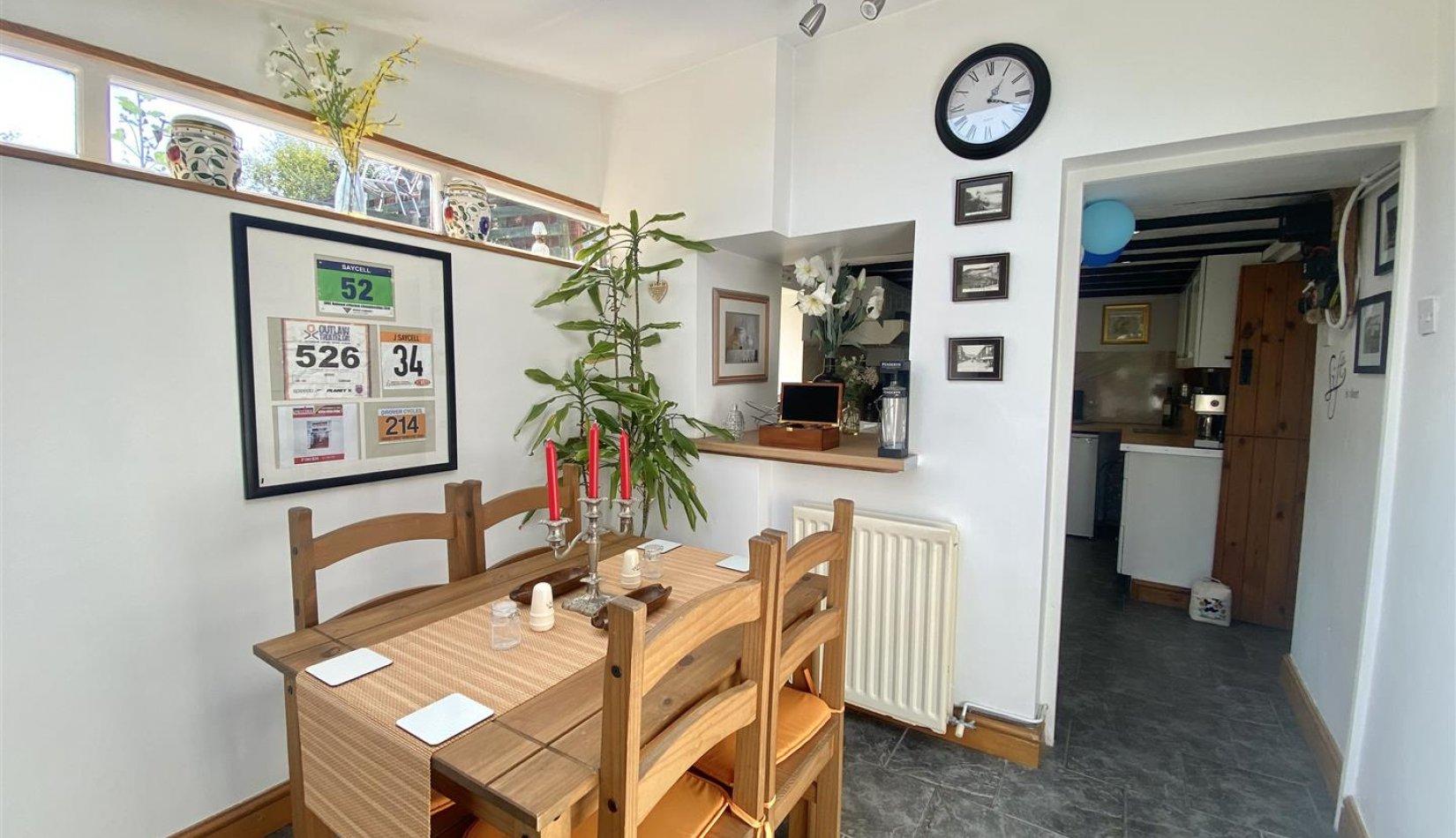 penrhiw dining area.jpg