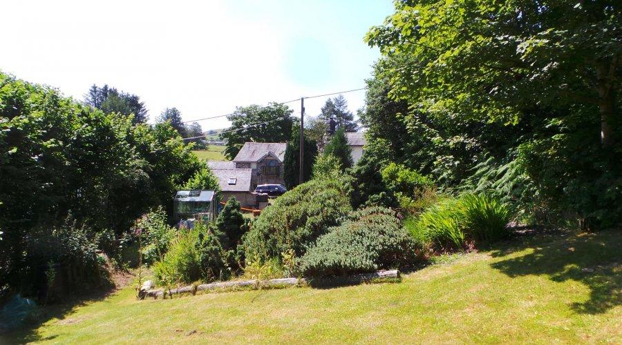 Rheidol House - garden 2 n.jpg