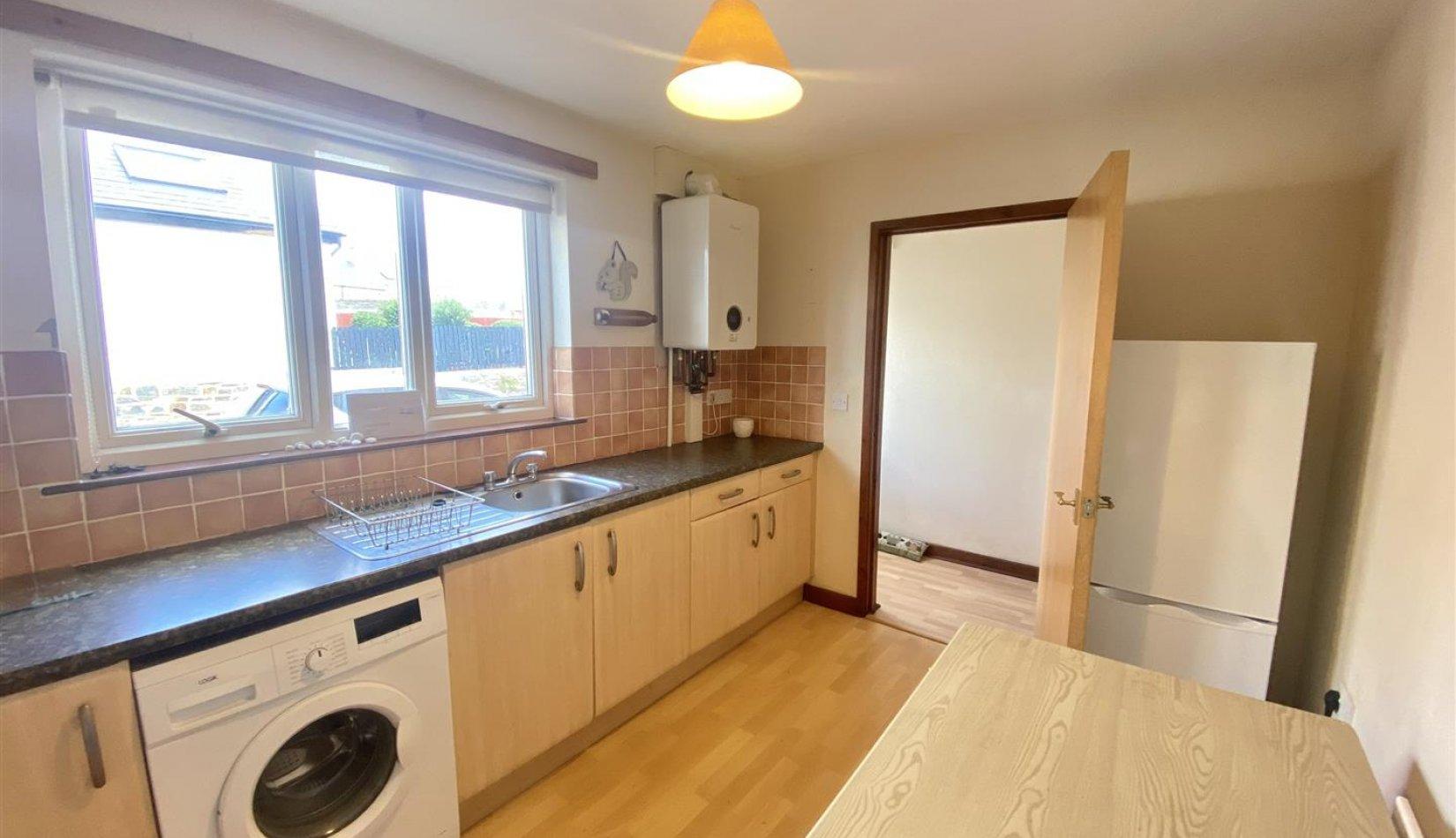 15 gg kitchen.jpg