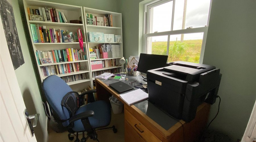 HOME OFFICE/STUDY