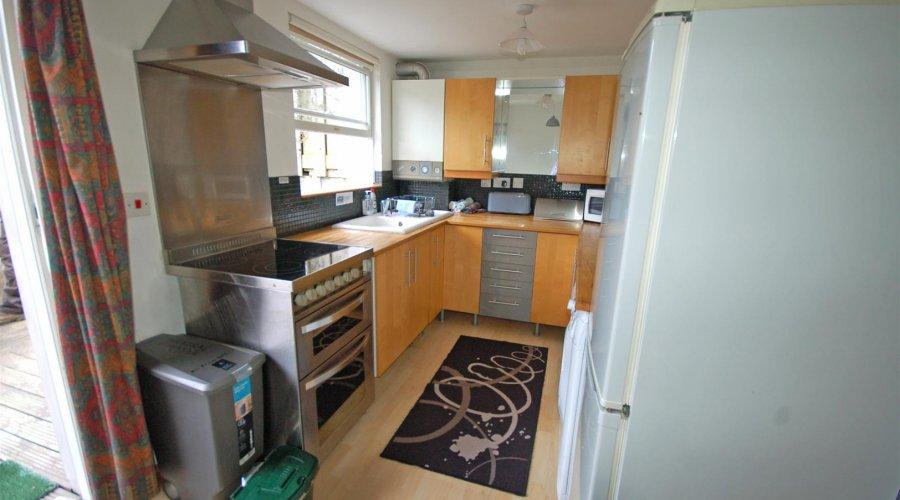 Garden Flat kitchen.jpg