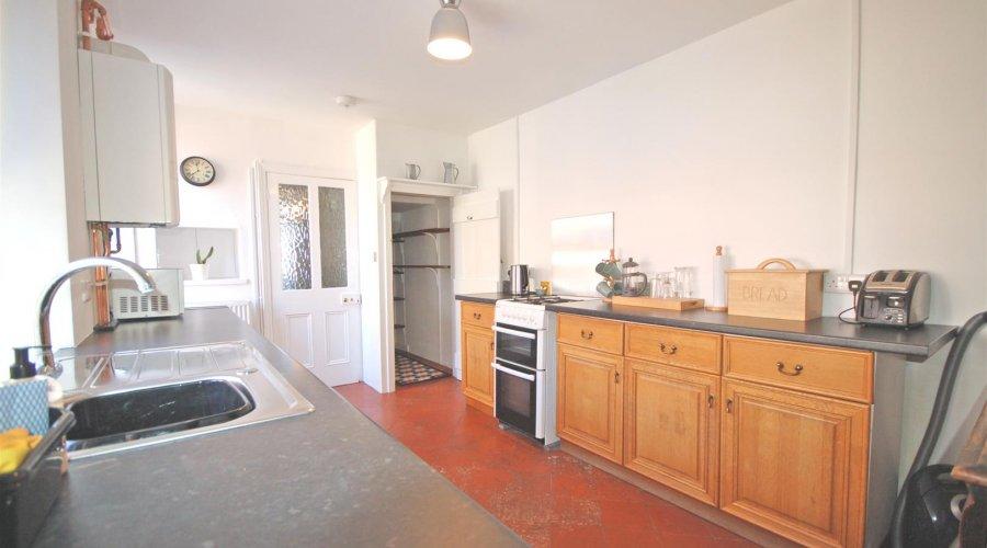 7 B rd kitchen 2.jpg