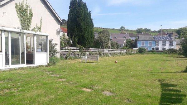 Blaendolau Farm (Llanbadarn Scrap Yard) Pwllhobi