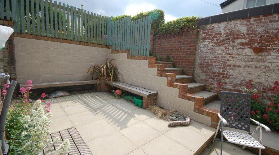 Swn Y Mor - patio area.jpg