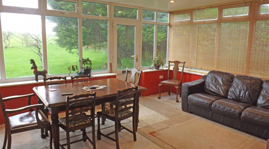 DINING ROOM/ CONSERVATORY