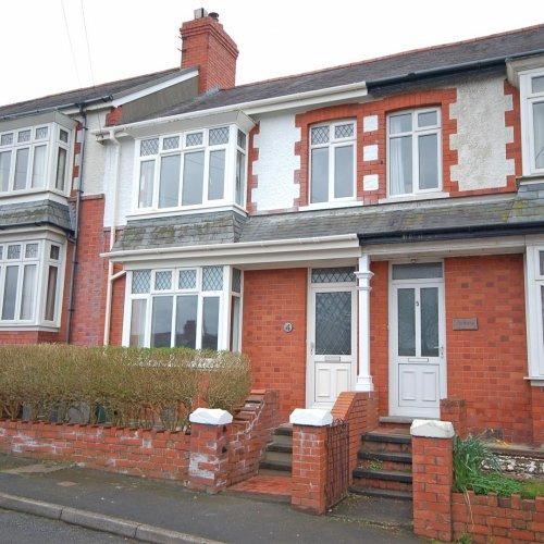 4 Dinas Terrace