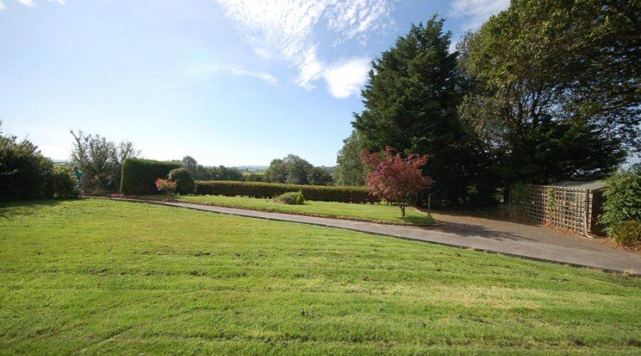 Maeshely, Capel Seion - front garden.jpg