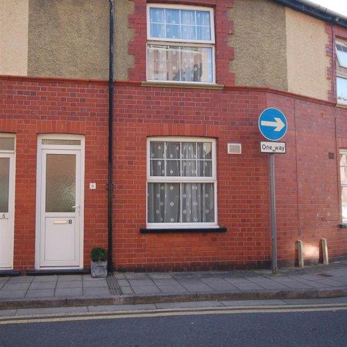 8 Skinner Street